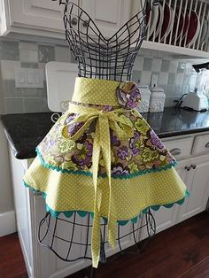vintage-inspired apron...easy to recreate this shape!