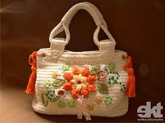 Pretty crocheted floral handbag