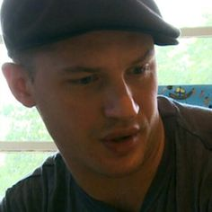 Tom Hardy❤..Love him in this hat!!!!!!!!!!!!!!
