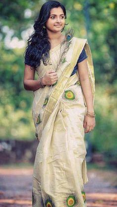 Beautiful Baby Girl, Beautiful Girl Indian, Beautiful Saree, Beautiful Women, Onam Saree, Saree Photoshoot, Power Girl, Indian Sarees, Indian Beauty