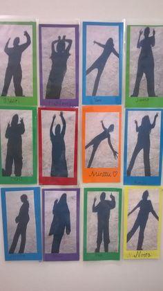 Shadows - pupil shadow as coat rack Superimpose application - Shadows – pupil shadow as coat rack Superimpose application You are in the right place about kids - Shadow Drawing, Shadow Art, Outdoor Classroom, Art Classroom, Ecole Art, Forest School, Preschool Art, Art Club, Art Plastique