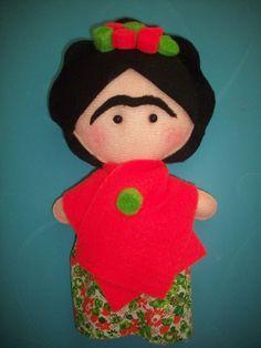 muñeca de tela de frida kahlo