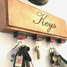 Seatbelt buckle key holder