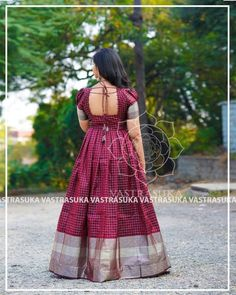 These Ethnic Long Dresses Will Give The Most Elegant Looks!! • Keep Me Stylish Long Gown Dress, Saree Dress, Long Dresses, Long Frock, Indian Gowns Dresses, Indian Fashion Dresses, Long Gown Design, Frock Models, Dress Neck Designs