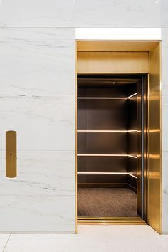 New York, NY Fogarty Finger was tasked with helping to re-brand this late mid-century structure by redesigning the building's lobby and entry canopies. Challenged by the lobby's small size, linear … Design Commercial, Commercial Interiors, Lobby Interior, Interior Architecture, Modern Interior, Elevator Lobby Design, Madison Avenue, Lift Design, Design Design