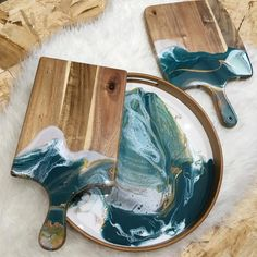 {please note half of my serving trays went home with enthusiastic pre-… Diy Resin Art, Epoxy Resin Art, Diy Resin Crafts, Diy Craft Projects, Diy Art, Wood Crafts, Resin Artwork, Diy Cutting Board, Resin Table