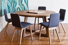 Por su capacidad y versatilidad, las mesas redondas u ovaladas son una alternativa que vale la pena evaluar al elegir un juego de comedor. / Archivo LIVING