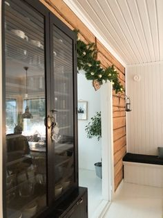 Old black glass cabinet, Christmas deco ideas, Lodge wall old house, Osmo color noki-maali, vanha musta lasikaappi