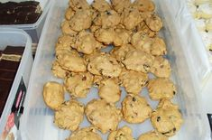 Walesi mazsolás keksz | Receptkirály.hu Cookies, Desserts, Food, Crack Crackers, Tailgate Desserts, Deserts, Biscuits, Essen, Postres