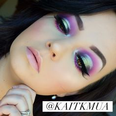 Purple and green colorful halo eye using the Morphe 35B palette! Follow my Instagram for more colorful and fun eye makeup looks Instagram.com/kaitkmua Halo Eye Makeup, Purple Eye Makeup, Makeup 101, Makeup Eye Looks, Green Makeup, Green Eyeshadow, Makeup Trends, Eyeshadow Makeup, Makeup Inspo