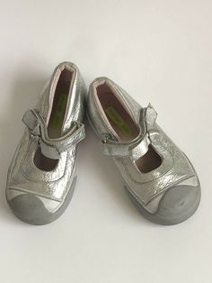 739cef853f19 MORGAN & MILO Girls Silver Mary Jane Sneakers Shoes Size 9.5 #fashion  #clothing #shoes #accessories #kidsclothingshoesaccs #girlsshoes (ebay link)