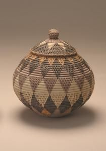 Ndwandwe's woven intricacies Woven Baskets, Basket Weaving, Marlene Dumas, African Art, Traditional Art, Contemporary Artists, Supreme, Decorative Bowls, Old Things