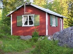 housebuiltfortwo:    A private stuga on Brändöskär, an island in the outer archipelago of Sweden. This island is more exposed to the wind and weather than others in Luleå and therefore has much low vegetation and outcrops.© Mikael Eriksson, 2004