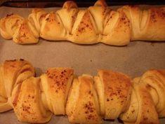 Obrázek z Recept - Česnekové trojhránky Bread And Pastries, Cooking, Food, Detail, Meal, Kochen, Essen, Hoods, Meals