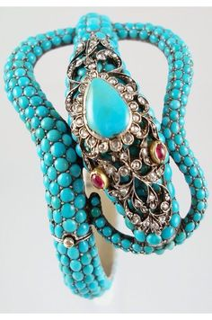 {Daily Jewel} Victorian Turquoise Serpent Bracelet Victorian Turquoise Serpent Bracelet – Pave set natural turquoise cabochons set in silver with gold wash. Shown at Haute Tramp. - My Accessories World Snake Jewelry, Animal Jewelry, Fine Jewelry, Rock Jewelry, Jewelry Rings, Turquoise Jewelry, Turquoise Stone, Turquoise Bracelet, Vintage Turquoise