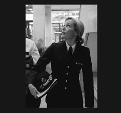 """fuckyeahstellagibson: """"I thought I'd look as unfeminine as possible…"""" """"It hasn't worked. Gillian Anderson The Fall, Fallen Tv Series, Stella Gibson, Fall Tv Shows, Jaime Dornan, Aging Gracefully, Powerful Women, Actresses, Female"""