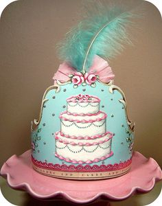 This Marie Antoinette themed crown was created by holiday_jenny photostream just lovely