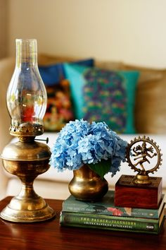 Welcoming Fall With A Tour Of An Indian Home in Cornwall - decor ideas Ethnic Home Decor, Indian Home Decor, Indian Room, Indian Living Rooms, Indian Homes, Antique Decor, Vintage Decor, Eclectic Decor, Modern Decor