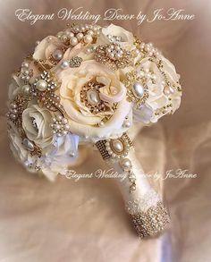 Gold Wedding Bouquets, Crystal Bouquet, Wedding Brooch Bouquets, Bling Wedding, Flower Bouquet Wedding, Red Wedding, Floral Bouquets, Brooch Bouquet Tutorial, Marie