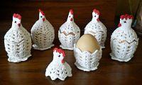 Handmade by Ecola & Dana Art - Wielkanocne kurki Easter Egg Pattern, Easter Crochet Patterns, Crochet Patterns Amigurumi, Crochet Motif, Crochet Crafts, Crochet Projects, Free Crochet, Crochet Chicken, Diy Ostern