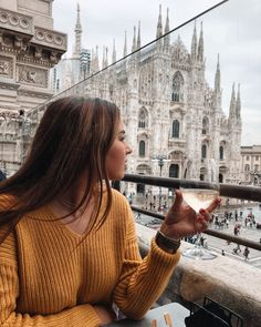 Perfect spot for a glass of wine💕 Perfect spot for a glass of wine💕 ,Travel Pics Inspo Perfect spot for a glass of wine💕. Milan Italy, Italy Italy, Firenze Italy, Travel Pictures, Travel Photos, Milan Instagram, Photography Poses, Travel Photography, Milan Travel