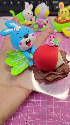 Fimo Disney, Polymer Clay Disney, Polymer Clay Charms, Disney Clay Charms, Fimo Kawaii, Polymer Clay Kawaii, Polymer Clay Animals, Polymer Clay Miniatures, Polymer Clay Projects