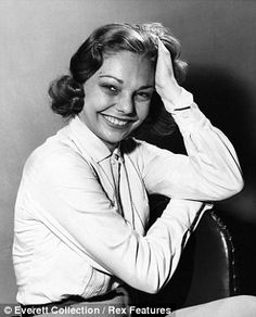 Secret love child: Judy Lewis, the daughter of Loretta Young and Clark Gable, has died of cancer aged 76 Vintage Movie Stars, Classic Movie Stars, Vintage Movies, Hollywood Actor, Hollywood Stars, Old Hollywood, Judy Lewis, Facts About People, Loretta Young
