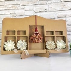 Cardboard Display, Cardboard Paper, Paper Furniture, Handmade Items, Handmade Gifts, Craft Show Displays, Group Boards, Pin Pin, Handmade Decorations
