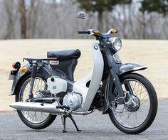 ◾️博多ラットカブ◾️ . 信号待ちをしていたら世田谷ベース好きみたいな方から、、、 . 『CM90ですか⁉️』 . 『いえ😱C105です。。😅😅』 . それもまた楽しい😁😁😁 . . #スマイリーカブクラブ #ラットカブ組合 #デタラメモータース #ラットカブ #行灯カブ… C90 Honda, Motorcycle, Vehicles, Rolling Stock, Motorcycles, Vehicle, Motorbikes, Engine, Tools