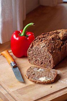 Saftiges Vollkornbrot, ein tolles Rezept aus der Kategorie Brot und Brötchen. Bewertungen: 1.284. Durchschnitt: Ø 4,7.