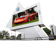 Outdoor fixed LED display are the mainstream of outdoor advertising medium, mainly applied to billboard Advertising, facade advertising, commercial advertising, corporate branding, etc.