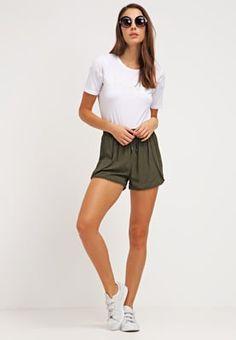Shorts & Bermudas New Look Short - khaki kaki: 22,00 € chez Zalando (au…