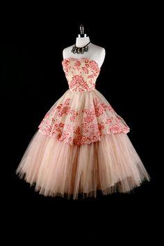 #partydress #romantic #feminine #fashion #vintage #designer #classic #dress #highendvintage