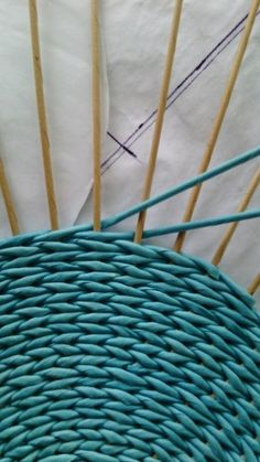 inspiration and idea for twined rug for under kitchen table . is an oval possible? how to frame the warp threads? twine warp and wool strip weft in kitchen table Photo Paper Weaving, Loom Weaving, Hand Weaving, Newspaper Basket, Newspaper Crafts, Newspaper Photo, Willow Weaving, Basket Weaving, Circular Weaving