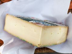 9 Awesome Italian Cheeses Everyone Should Know Kinds Of Cheese, Cheese Shop, Italian Cheese, Artisan Cheese, Serious Eats, Italian Recipes, Cheesecake, Tasty, Bread