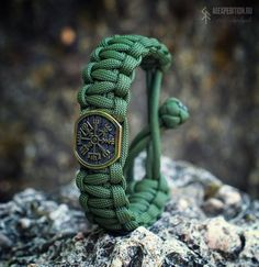 Nordic MadMax Paracord bracelet with Exclusive Brass bead Paracord Bracelets, Paracord Ideas, Vegvisir, Thors Hammer, Diy Jewelry, Jewlery, Brass Buckle, Cosplay, Asdf