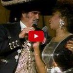 """Celia Cruz y Vicente Fernández cantando """"El Rey"""""""