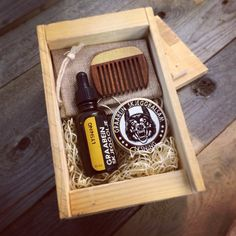 """The Graabein """"Hardhaus"""" beard care giftbox made from reclaimed palletwood. The box contains Beard Oil, Beard Balm, a wooden Beard Comb and a burlap bag for safe keeping. Beard Balm, Brand Packaging, Smell Good, Facial Hair, The Balm, Make It Yourself, Barber, Burlap, Amethyst"""
