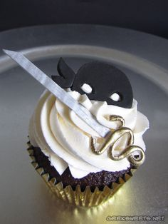 "The Dread Pirate Roberts cupcake from ""The Princes Bride."""