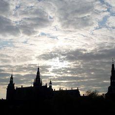 hannehappel #Frederiksborg Slot solen står op #