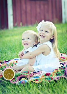 Check out our Party supplies here at KidLovestoys now~ Sibling Photography Poses, Sibling Photo Shoots, Sibling Poses, Children Photography, Family Photography, Newborn Poses, Newborns, Siblings, Large Family Poses