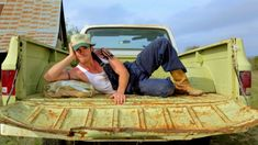 Earl Dibbles Jr - Country Boy Love (Official Music Video) really this song cracks me up!
