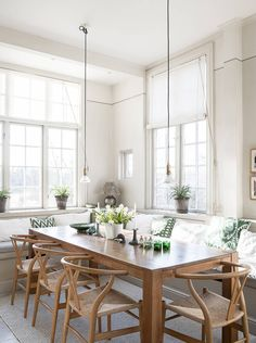 Living Room Inspiration, Home Decor Inspiration, New Kitchen, Kitchen Dining, Beautiful Interior Design, Simple House, Luxury Interior, Dining Area, Home Kitchens