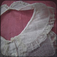 Antique French Dickey for kid with pretty white lace and details - Vintage Fine Handmade Fashion from France