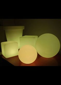 12- and 14-inch L.E.D. Light Cubes