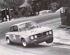 Toine Hezemans - Alfa Romeo 2000 GTAM - 1970 - Brno
