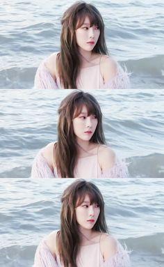 Taeyeon Like a mermaiddd