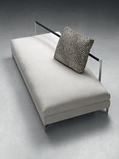 LARGE SOFA - Designer Sofas from Molteni & C ✓ all information ✓ high-resolution images ✓ CADs ✓ catalogues ✓ contact information ✓ find. Bench Furniture, Unique Furniture, Contemporary Furniture, Furniture Design, Sofa Design, Sala Vip, Sofas, Large Sofa, Upholstered Bench