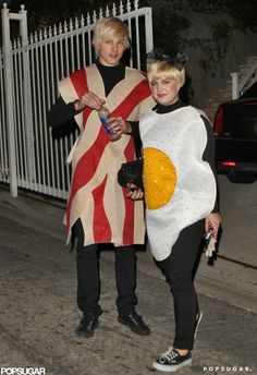 Pin for Later: 55+ Celebrity Couples Halloween Costumes Kelly Osbourne and Luke Worrall as Bacon and Eggs