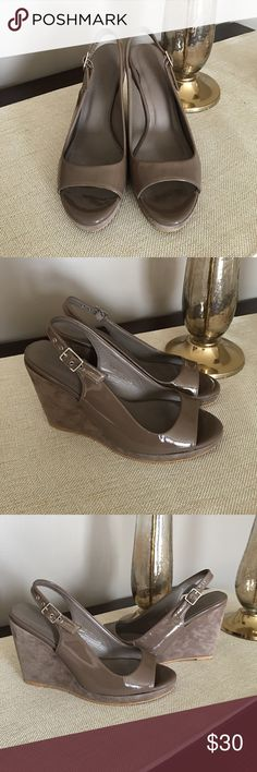 🎉Boden Taupe Suede and Patent Wedge Sandals Boden Wedge Sandals. Beautiful patent leather on front and Suede on base of shoe. Sling back with adjustable strap. Great condition. Size 36. Neutral taupe color. Boden Shoes Wedges
